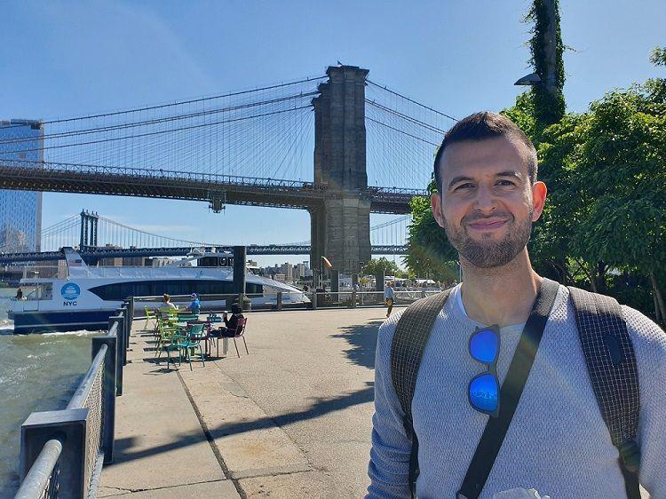 Soy Josh Sanz, co-fundador de Papers & Planners y sé de lo que hablo a la hora de hacer un currículum vitae de éxito